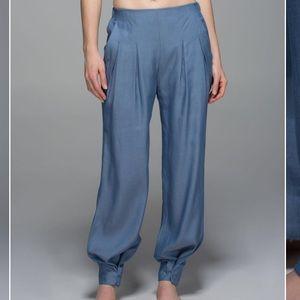 RARE Lululemon Easy Breezy Pant Blue Denim Sz 6